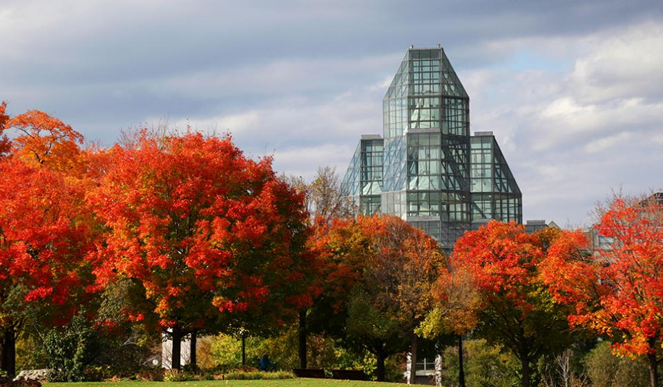 National Gallery of Canada, Major's Hill Park, Fall